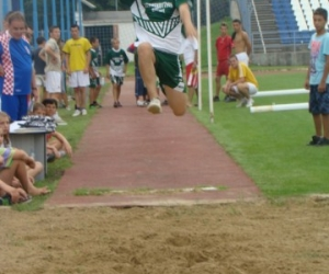 2010 (HUN) Bicske Gyo sportolója távolugrás közben.