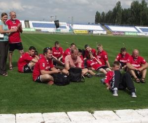 Dán küldöttség a Széktói Stadionban.