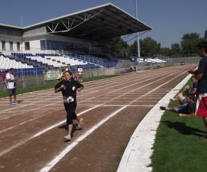 Velence sportoló futás közben.