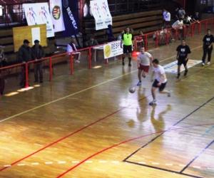 UEFA-MLSZ grassroots labdarúgó mérkőzés.