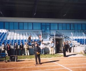 Gyermek,-Ifjúsági és Sportminisztérium Szabadidő Főosztályának Főosztályvezetője mond ünnepi beszédet a VI. Európa Kupa Döntőn 2003-ban.
