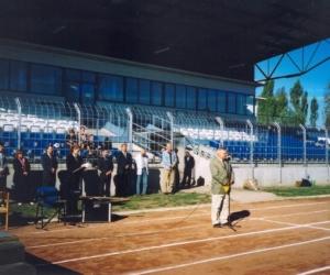Szabó Károly a BKM-i Közgyűlés Alelnöke nyítja meg a VII. Európa Kupa Döntőt 2004-ben.