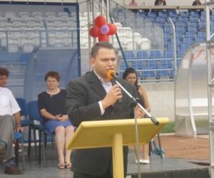 Gyermekotthonok Európa Kupája 2008 rendezvényét menyitja: Elbert Gábor sport szakállamtitkár úr.