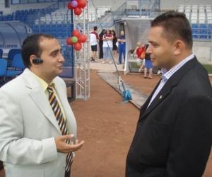 Radics Kálmán elnök és Elbert Gábor sport szakállamtitkár beszélget egymással.